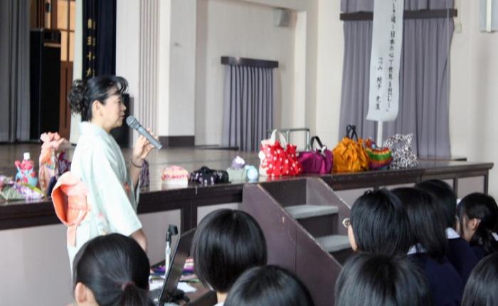 3月:進路講演会(キャリア・進路学習)